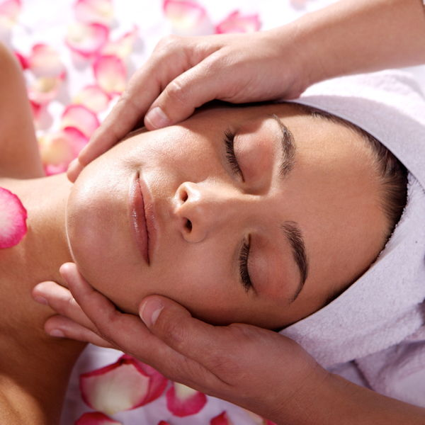 Taoma Kosmetik Olching - Anwendungen Gesichtspflege